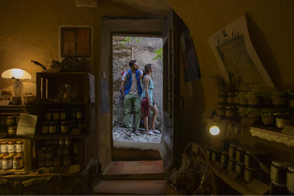 Exclusive! From the sidelines of Imtiaz Ali's Tamasha. Ranbir Kapoor and Deepika Padukone http://t.co/5942r4ShPG