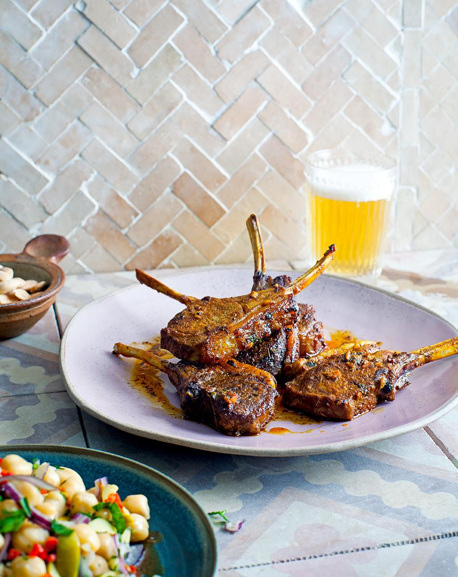 RT @JamieMagazine: Saturday supper is sorted thanks to these amazing lamb cutlets from the latest issue http://t.co/UcVIHgesAt http://t.co/…