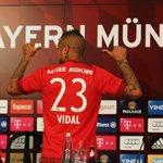 ¿Podrá Vidal reemplazar a Schweinsteiger en el Bayern? Le dieron la 23: http://t.co/u13buFlP5M #SeMueveLaBolsa http://t.co/sHdVSwFGgr
