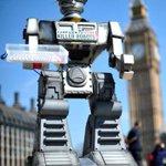 """Científicos de todo el mundo piden la prohibición de los """"robots asesinos"""" http://t.co/YrmIxXffS3 http://t.co/e5B2wTTO1W"""