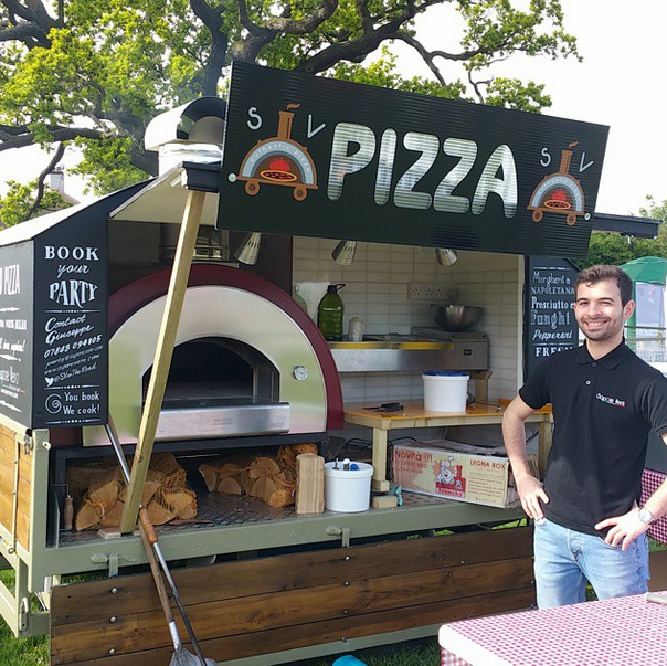 Plz share this to help local businesses @saporev this is the best mobile pizza ever #BeckBromFL #Beckenham #Bromley http://t.co/ze5HbFppYN
