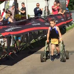 El triatlón que completó un niño de 8 años con parálisis cerebral » http://t.co/QCSqbc84Xq http://t.co/cLOvieqffk