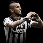 """""""Fue el corazón del renacimiento de la Juventus"""": La emotiva despedida de Juventus a Vidal http://t.co/WfpKNM8eGV http://t.co/Vgr4wHTpbk"""