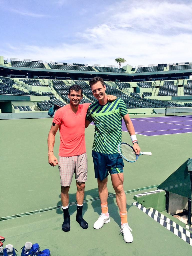 Getting ready for the @USOpenSeries great practice with @GrigorDimitrov @tomasberdych #35degrees #miami http://t.co/5fREJFlQOK