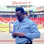 When you have @45PedroMartinez sign your baseball and then throw it back to you... ???????????? #PedroHOF http://t.co/ee389ZaW0M