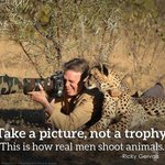This is how real men shoot animals: take a picture, not a trophy ???? #CecilTheLion @WWF @NatGeo @rickygervais http://t.co/HmDPFzzJc6