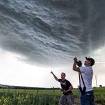 Stormchasers capture Albertas wild weather in spectacular images http://t.co/h4svx1HWcr http://t.co/Oge7zFvuvh