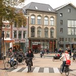 In @guardian : How Groningen invented a cycling template for cities all over the world http://t.co/tpgaY2NWga http://t.co/E50WwVZ1w2