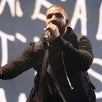 "Drake to Meek Mill: ""You gettin bodied by a singin ni**a"" #BackToBack http://t.co/uHCPqkX1OK http://t.co/9sHYc7U3Jb"