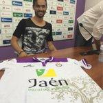 Ojo a la camiseta que ha lucido el portugués Nuno SIlva en su presentación con el Jaén. LOL (vía @AlexPM14J) http://t.co/GIx09IkjwS