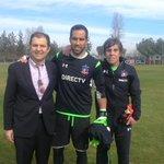 ¡Bienvenido a tu casa!, le dijo el presidente Aníbal Mosa al gran Claudio Bravo quien entrenó con Julio Rodríguez http://t.co/mOBvCnS6lK
