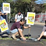 """La campaña """"Arnaldo, aquí hay un bache"""" continúa este miércoles sobre las calles 21 Proyectadas casi Paraguarí http://t.co/cRAgrzo29J"""