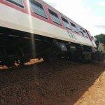 Treni ya abiria ya Deluxe iliyokuwa safarini kutoka Kigoma-Dar imepata ajali hivi punde katika stesheni ya Kikombo http://t.co/HFnBztsdT9