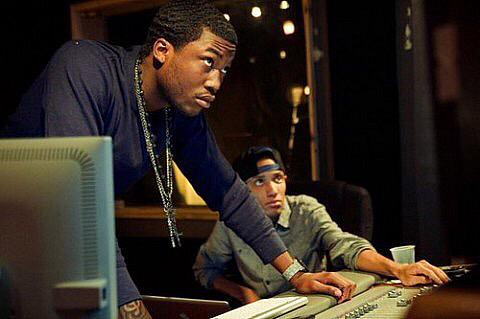 You got this @MeekMill! Let us know if you need a Red Bull to fuel that studio session! #supportphilly #backtoback http://t.co/xyCfyeT2W9