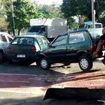 Mira la reacción de este ciclista al ver que un auto bloqueaba la ciclovía → http://t.co/81AWo9SlwO http://t.co/5rjJttV19G