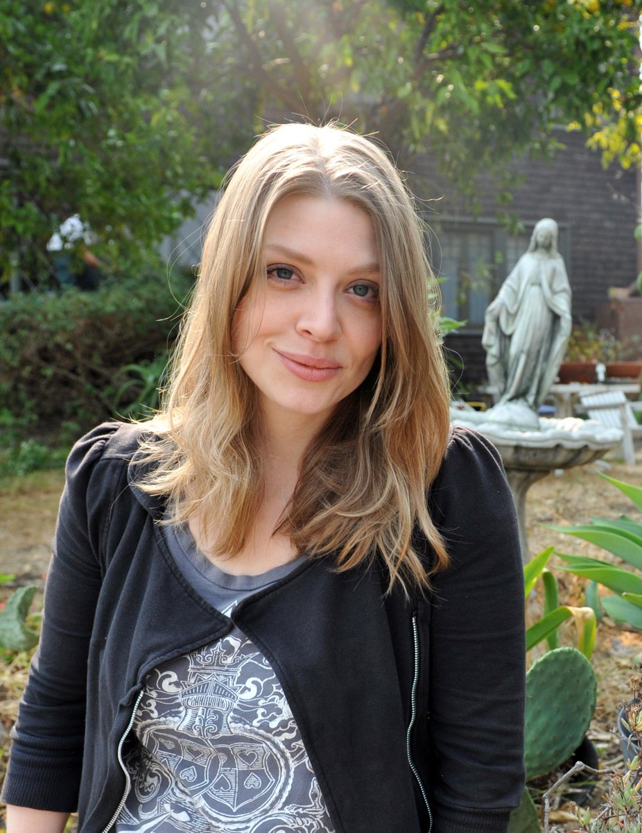 We spoke to @amber_benson in the latest #ReallyBusyPeople column! http://t.co/AHO2ZZD0rx http://t.co/sgqyCKTsqx
