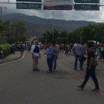 via @MiVida0808: Frontera #29JL Enfrentamiento vía San Antonio-Cucuta | Fotos: http://t.co/tRkvJeZPZ3 #Tachira