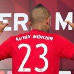 Papá de Arturo Vidal fue detenido mientras su hijo era presentado en el Bayern Munich http://t.co/jxCy2AQHeu http://t.co/9G7AbX6kKC