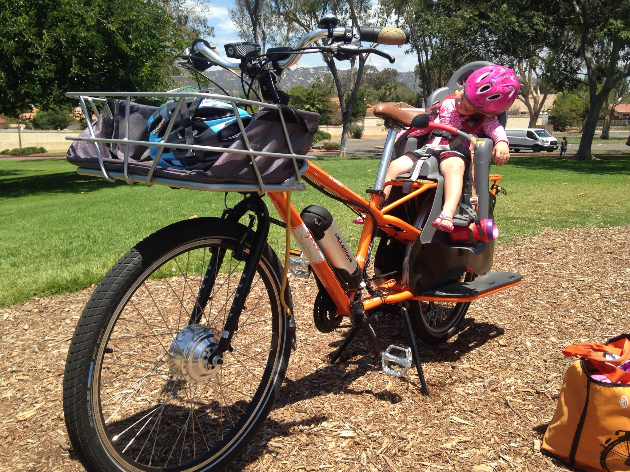RT @gest24: Guess someone was comfy on their ride to the pool today. @YubaBicycles http://t.co/r1RCFTt6fD