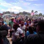 """""""@PK2noticiosos: HAMBRE: Una turba hambrienta por la robolución saquea el PDVAL de Barrancas del Orinoco en Monagas http://t.co/jAcFIrlrTi"""""""