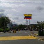 #29Julio CERRADA Frontera #Colombia #Venezuela NO HAY PASO REPORTAN 1 Muerto y 2 Herido (Colombianos) http://t.co/TcXLbAq3D2