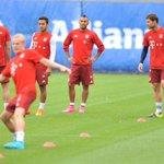[FOTOS] Vidal compartió con Pep Guardiola, Müller y Xabi Alonso en el entrenamiento de hoy http://t.co/pAiGqUCn5R http://t.co/Zlo9dtWNLr
