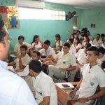 Los estudiantes del Liceo Galoi escucharon atentamente nuestras propuestas para mejorar la educación. http://t.co/NxjNKRtECg