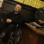 Manuel Contreras por ser un general retirado del Ejército, recibiría honores militares si falleciere http://t.co/t2Im7Tayjv