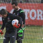 """Entrevista exclusiva con Claudio Bravo: """"Amo al club y a la camiseta"""". Entra aquí: http://t.co/MOQKlywVX5 http://t.co/rjyP9v6vqH"""