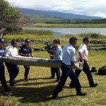 Is this #MH370 ? http://t.co/P3uGhZVjaf http://t.co/OrXtQVUzNF