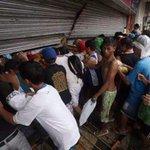 @SairamRivas @SandovalCesarR @ElPoliTwico Venezuela: Saquean Almacén de PDVAL en Barrancas del Orinoco, Edo. Monagas http://t.co/JIYWvTwsHL