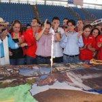 En la monumental torta de Venezuela que encargó Vielma Mora para cantarle cumpleaños al muerto, falta el Esequibo http://t.co/DckTlxckxF