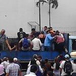 Salvadoreños regresan a sus hogares tras tercer día de paro en el transporte público @DIARIOLAPAGINA http://t.co/9sfdozywxz