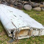 Aircraft debris found in Indian Ocean is from a Boeing 777 - investigators http://t.co/EsoeorCini #MH370 http://t.co/Xy3w1D035C