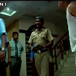 Cops deliver confidential letter to #YakubMemons family in Nagpur. http://t.co/mjAXLcfS0D