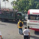 #AlertaSV Así el transporte desde Plaza Gerardo Barrios a diferentes puntos de San Salvador. Gracias a @ronal_vega http://t.co/XHn573aJj3