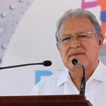 Pdte. @sanchezceren sale del país en medio de crisis del transporte. Ampliamos: http://t.co/DF8JbwkxUS #ElSalvador http://t.co/NCVfB1vV2W