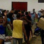 ¡Desesperados! Habitantes de Barrancas del Orinoco saquearon Pdval en Monagas http://t.co/ed89nhu4IY http://t.co/ZArrex9v5e