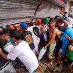 #29JL En Monagas habitantes saquearon almacén de PDVAL ¡No dejaron nada! #360Mundo http://t.co/Ix6riR1TEV