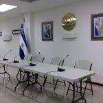 Casa presidencial dará su conferencia, dentro de unos minutos, sobre el paro de algunas rutas de buses @ysucanoticias http://t.co/p3kNjkXHrf