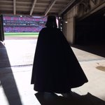 John Lackey is dressed a little different as he heads out to the bullpen to warm up. http://t.co/IwRgJ4vFTr