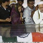 APJ Abdul Kalams funeral today; PM Modi in Rameswaram to pay last tributes http://t.co/JAa0e9nZ40 http://t.co/FXbyqFk4IQ
