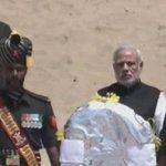 PM Modi pays last respects to President Kalam at Rameswaram http://t.co/ACvP2xS07v