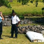 Airplane debris found in the Indian Ocean could be from MH370: http://t.co/cjvcM47861 http://t.co/UzrL9fGv3t