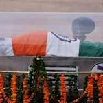 APJ Abdul Kalams funeral to be held in his hometown Rameswaram today http://t.co/d0bVP0PArf http://t.co/C6lR17FPQM