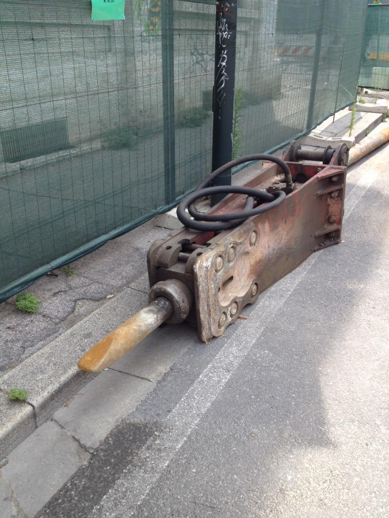 "RT @destinograzia: @comunefi Stamattina record assoluto: h 6,10 inizio lavori cantiere Statuto #Tramvia #Firenze @Lavori_Tram_Fi http://t.c…<a target=""_blank"" href=""http://t.co/o2J46zgZRm""><br><b>Vai a Twitter<b></a>"