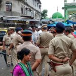 #Yakubhanged: Heavy security at Mahim ahead of his last rites after execution. (HT pic: @vijaygupta2015) @htTweets http://t.co/WrFqcUk1j1
