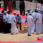 Former President APJ Abdul Kalam being buried. http://t.co/cfgSL9tKZr