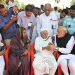 In #Pictures: PM Modi offers condolences to the family of late Dr. A.P.J. Abdul Kalam http://t.co/airmLlDQmk http://t.co/gW5JokNG1S