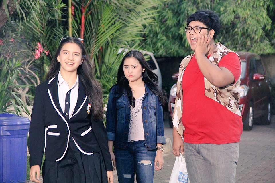 Coming Soon in @ASPGGS as Cassie, ketua Cheerleader yg juga Pemburu Vampire...@SCTV_  with @PrillyBie Norton ya.. http://t.co/WoXSchIagL